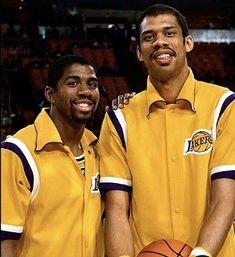 Magic Johnson and Kareem Abdul Jabar Basketball Pictures, Love And Basketball, Sports Basketball, Basketball Players, College Basketball, Magic Johnson, Nba Stars, Sports Stars, Larry Bird