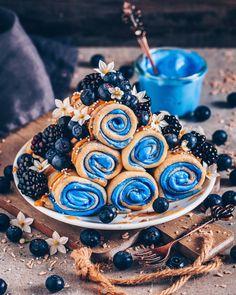 Vegan crepes with blue coconut cream filling - Breakfast Ideas - .Vegan Crepes with Blue Coconut Cream Filling - Breakfast Ideas - # Breakfast # Crepes Blue Hawaiian Food & Vegan Sweets, Vegan Desserts, Cute Food, Yummy Food, Kreative Desserts, Cute Desserts, Sweet Breakfast, Breakfast Ideas, Breakfast Recipes