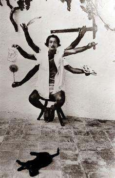 Dali, uma Shiva moderna.