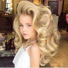 "7,234 curtidas, 145 comentários - h a i r s t y l e s (@efsanesaclar) no Instagram: ""😍😍😍 @anastasya_averbukh #daughtergoals #efsanesaclar #hairstyle"""