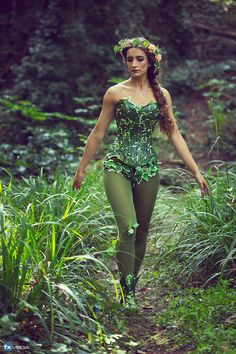Poison+Ivy+costume+corset/+Mother+nature+for+by+LyndseyBoutique