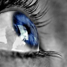http://www.deviantart.com/download/60253381/Blue_Eye_by_thecoffeepirate.jpg