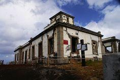 Farol da Ponta da Ribeirinha,Ilha do Faial, Açores, Portugal Destruído pelo terramoto de 1998,