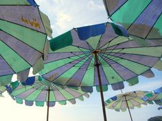 Bunte Sonnenschirme in Phuket by Susi from Black Dots White Spots