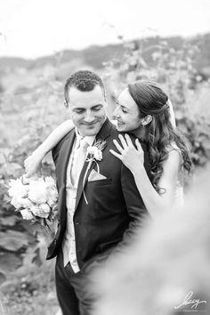 Letzte Woche hat meine Hochzeitssaion begonnen und es war einfach perfekt!!!  Tolles Brautpaar wahnsinnig gut gelaunte und liebevolle Gäste viel Emotionen geniale Location und perfektes Wetter! Hätte nicht besser sein können  Danke euch beiden!! #wedding2017 #weddingday #weddingphotography #lovemyjob #awesomeplace  Weingut Weinstadl Holler by kacy - makeup & photo