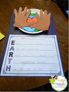 Earth Day acrostic poem craftivity. Perfect activity to be creative and write about our planet.
