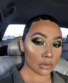 makeup looks christmas 2018 Baddie Makeup, Sexy Makeup, Makeup On Fleek, Flawless Makeup, Cute Makeup, Gorgeous Makeup, Pretty Makeup, Makeup Eyebrows, Makeup For Black Skin