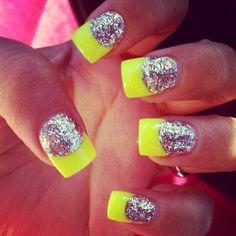 neon sparkle nails<3