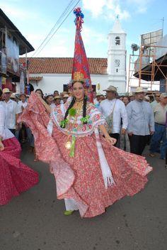 La Pollera de Panama: Festival Nacional de La Pollera 2010, Estefania Zeballos