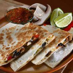 Gringa (VEGA) - Megrendelhető itt: www.hu - A vizuális ételrendelő. Mexican Grill, Grilling Recipes, Cravings, Tacos, Bread, Dishes, Ethnic Recipes, Food, Plate