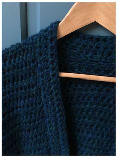 Cardigan Pattern, Crochet Cardigan, Crochet Shawl, Diy Crochet, Crochet Top, The Rok, Winter Vest, Crochet Woman, Drops Design