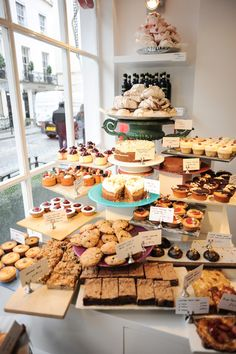 ladyironchef's dining guide for London, featuring the must eat food, best restaurants and cafes to go when you are in London. Cafe Display, Pastry Display, Bakery Shop Design, Coffee Shop Design, Bakery Interior, Bread Shop, Bakery Cafe, Bakery Shops, Food Stall