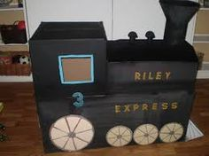 how to make a polar express train from cardboard boxes Cardboard Train, Cardboard Boxes, School Projects, Projects To Try, Christmas Parade Floats, Polar Express Train, Kindergarten Crafts, Childrens Christmas, Christmas Door