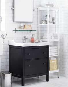 We're for giving your bathroom mirrors something to look at.