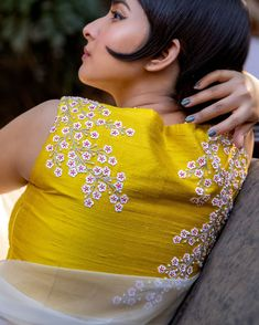 Looking for deep back neck blouse designs for sarees? Here are our picks of 14 trending blouse models that will make you flaunt this blouse with style. Blouse Back Neck Designs, Brocade Blouse Designs, Brocade Blouses, Fancy Blouse Designs, Bridal Blouse Designs, Brocade Saree, Stylish Blouse Design, Plain Saree, Stylish Sarees