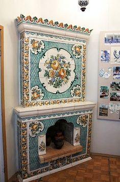 Изразцовый гжельский камин из музея «Объединения Гжель» Brick Fireplace Makeover, Home Fireplace, Fireplace Surrounds, Fireplace Mantels, Antique Stove, Vintage Stoves, Art Nouveau Tiles, Stove Heater, Tuscan Style
