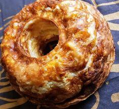 Πρέπει να μάθεις να φτιάχνεις τυρόπιτα σε φόρμα Vigan, Mediterranean Recipes, Bagel, Doughnut, Sweet Home, Food And Drink, Cooking Recipes, Bread, Baking