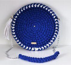 Round Bag Round Bag, Crochet Hats, Bags, Fashion, Knitting Hats, Purses, Fashion Styles, Totes, Lv Bags