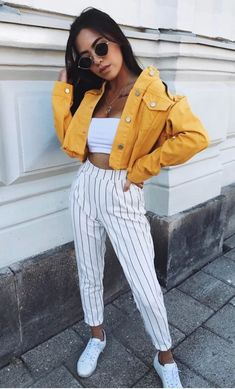 45 simple spring outfits style ideas with jeans 55 Fashion Mode, Look Fashion, Womens Fashion, Fashion Trends, Fashion Images, Fashion Fall, Fashion Photo, Trendy Fashion, Mode Outfits