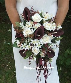 Wine Wedding Flowers | themarriedapp.com hearted <3