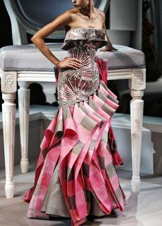 John Galliano for Christian Dior Haute Couture Dior Fashion, Fashion Moda, Fashion Week, Couture Fashion, Fashion Art, Fashion Beauty, Christian Dior, Dior Haute Couture, French Fashion Designers