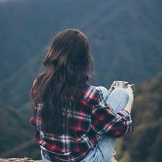 sitting alone is the best besides sitting between fake peaple😇💕 .