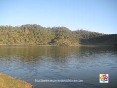 #michoacán #michoacanmagico MICHOACÁN MÁGICO Tacámbaro pueblo mágico cuenta con maravillas naturales como lo son: la laguna de La Magdalena, el Parque Cerro Hueco, la Cascada de Santa Paula y La Alberca, uno de los tres cráteres volcánicos llenos de agua con los que cuenta el estado. HOTEL DELFIN PLAYA AZUL http://www.hoteldelfinplayaazul.com/portal/