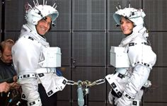 Gravity (2013) George Clooney & Sandra Bullock strapped in for filming