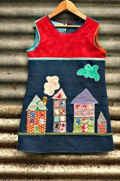 Foxs Lane: The pretty city dress. Here are not enough words for how much I adore this! Sewing Kids Clothes, Baby Clothes Patterns, Sewing For Kids, Baby Sewing, Diy Clothes, Frocks For Girls, Little Girl Dresses, Toddler Fashion, Kids Fashion