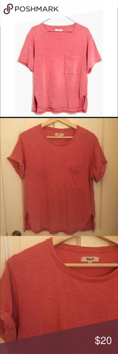 Madewell Slub Pocket Tee Cute slightly cropped slub pocket tee from Madewell.  Size XS. Fantastic with a pair of high rise shorts or jeans.  Boxy fit. Madewell Tops Tees - Short Sleeve