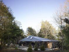 https://www.dezeen.com/2013/06/16/clear-lake-cottage-by-maclennan-jaunkalns-miller-architects/