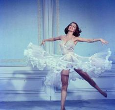 Cyd Charisse in Silk Stockings, 1957 | Colleen O'Eris | Flickr Vintage Glamour, Vintage Lingerie, Vintage Burlesque, Hollywood Glamour, Old Hollywood, Mode Vintage, Retro Vintage, Icon Girl, Cyd Charisse