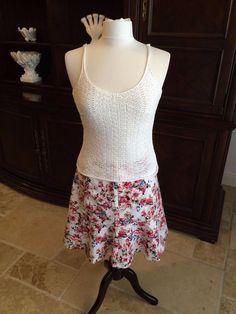 Spring or Summer White House Black Market Floral on white trumpet skirt #WhiteHouseBlackMarket #trumpetskirt