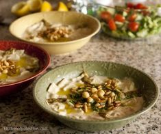 A breakfast fit for a king: Fattet Hummus - pieces of pita bread topped with tahini sauce, hummus, olive oil, pine nuts, parsley and cumin. World Recipes, Real Food Recipes, Vegan Recipes, Meatless Recipes, Middle Eastern Dishes, Middle Eastern Recipes, Palestinian Food, Breakfast Recipes, Dinner Recipes
