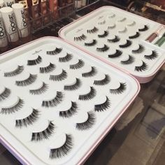 *Lashes & Lash Adhesive Set Sold Separately Need more space for your lash stash? This pro edition Lash Story book should be on your beauty must-have list! Our chic Lash Story Pro holds 22 pairs of las