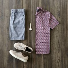 Casual Saturday combo with a patterned shirt from Perry Ellis, shorts from Halsey44, no Show Socks from Ninja Socks, and shoes from Billy Reid #billyreid #perryellis #casualstyle #summerstyle #flatlay #summeroutfits #casualoutfits #shorts #menstyle #menswear #mensfashion