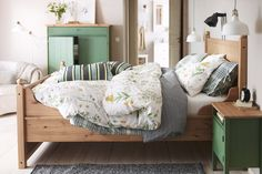 Bring the outside in with botanical-themed bedding.Featured Products HURDAL HURDAL STRANDKRYPA SNÄRJMÅRA HURDAL (Source: everyday.ikea.com)