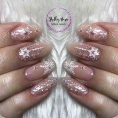 New nails christmas babyboomer ideas Snowflake Nail Design, Snowflake Nails, Christmas Nail Art Designs, Winter Nail Designs, Winter Nail Art, Winter Nails, Xmas Nails, Holiday Nails, Christmas Nails