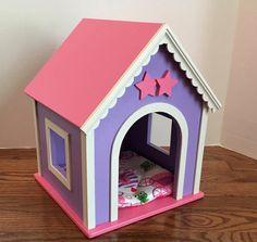 Muñeca americana de la muchacha: Perro casa de por BedsandThreads