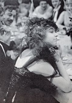 Lillian Gish in the lost film Diane Of The Follies, 1916 Dorothy Gish, Lillian Gish, Classic Hollywood, Old Hollywood, The Whales Of August, His Double Life, Mary Robinson, Famous Sisters, Mary Pickford