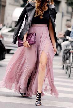 street style. Long skirt.