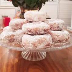 Easy Desserts, Dessert Recipes, French Desserts, Yule Log Cake, Book Cakes, Beignets, Chocolate Decorations, Eclairs, Cake Shop