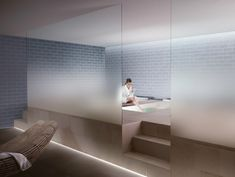 wohnwand mit modernem design und grifflosen hochglanz-fronten, Wohnzimmer dekoo