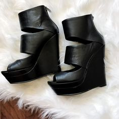 e28ef838c39e4f Black leather wedge platform heels in perfect condition. Click for more or  download the Vinted app!  sustainablefashion  secondhand