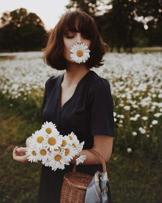 52 Ideas For Flowers In Hair Photoshoot Photo Shoot Girl Photography, Creative Photography, Fashion Photography, Spring Photography, Photography Flowers, Vintage Style Photography, Sunflower Photography, Hipster Photography, Freelance Photography