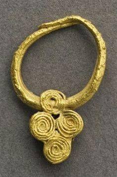un pendiente celta que se encontraron en el Algarve. Edad de Hierro.
