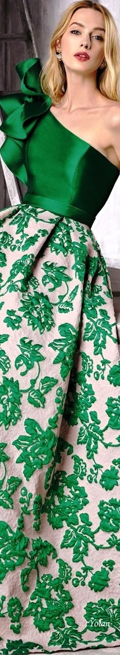 Green by Manu Garcia 2018 Collection Floral Fashion, Green Fashion, Evening Dresses, Prom Dresses, Formal Dresses, Fashion 2018, Fashion Dresses, Overall, Beautiful Gowns