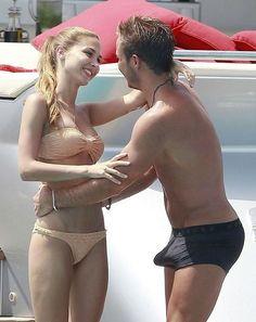 Reprezentant Niemiec podniecił się podczas kontaktu z piękną kobietą • Mario Goetze nie utrzymał nerwów na wodzy • Wejdź i zobacz >> #gotze #football #soccer #sports #pilkanozna #funny