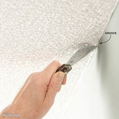 A pro home painter shares his picks for the best ceiling paint, tips for painting smooth and textured ceilings, with equipment selections. Textured Ceiling Paint, Best Ceiling Paint, Ceiling Texture, Colored Ceiling, Edge Painting Tool, Painting Edges, House Painting Tips, Diy Painting, Painting Hacks