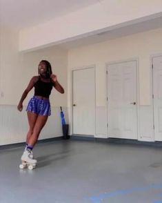 Retro Roller Skates, Roller Skate Shoes, Roller Rink, Roller Derby, Disco Roller Skating, Roller Disco, Quad Skates, Skate Girl